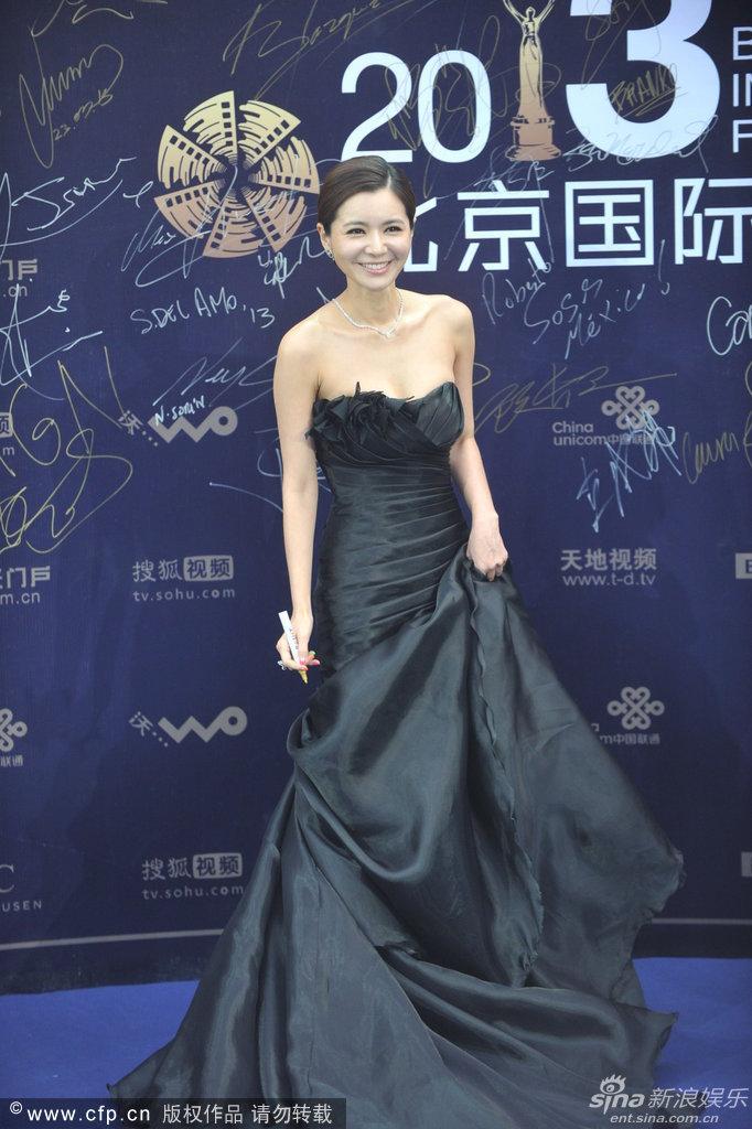 http://www.sinaimg.cn/dy/slidenews/4_img/2013_17/704_948050_619401.jpg