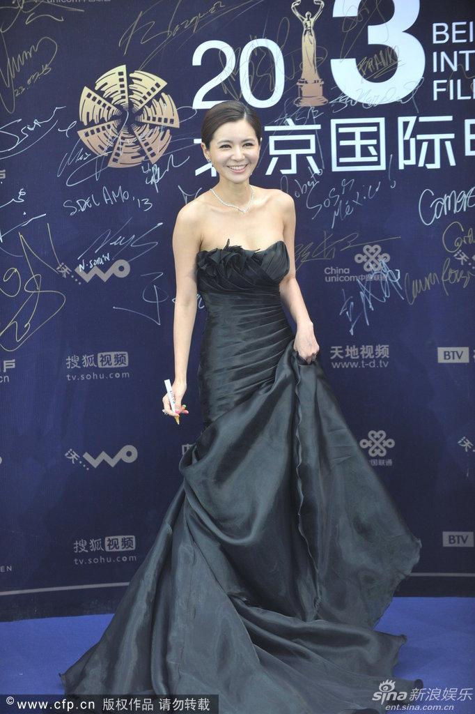 http://www.sinaimg.cn/dy/slidenews/4_img/2013_17/704_948051_355227.jpg