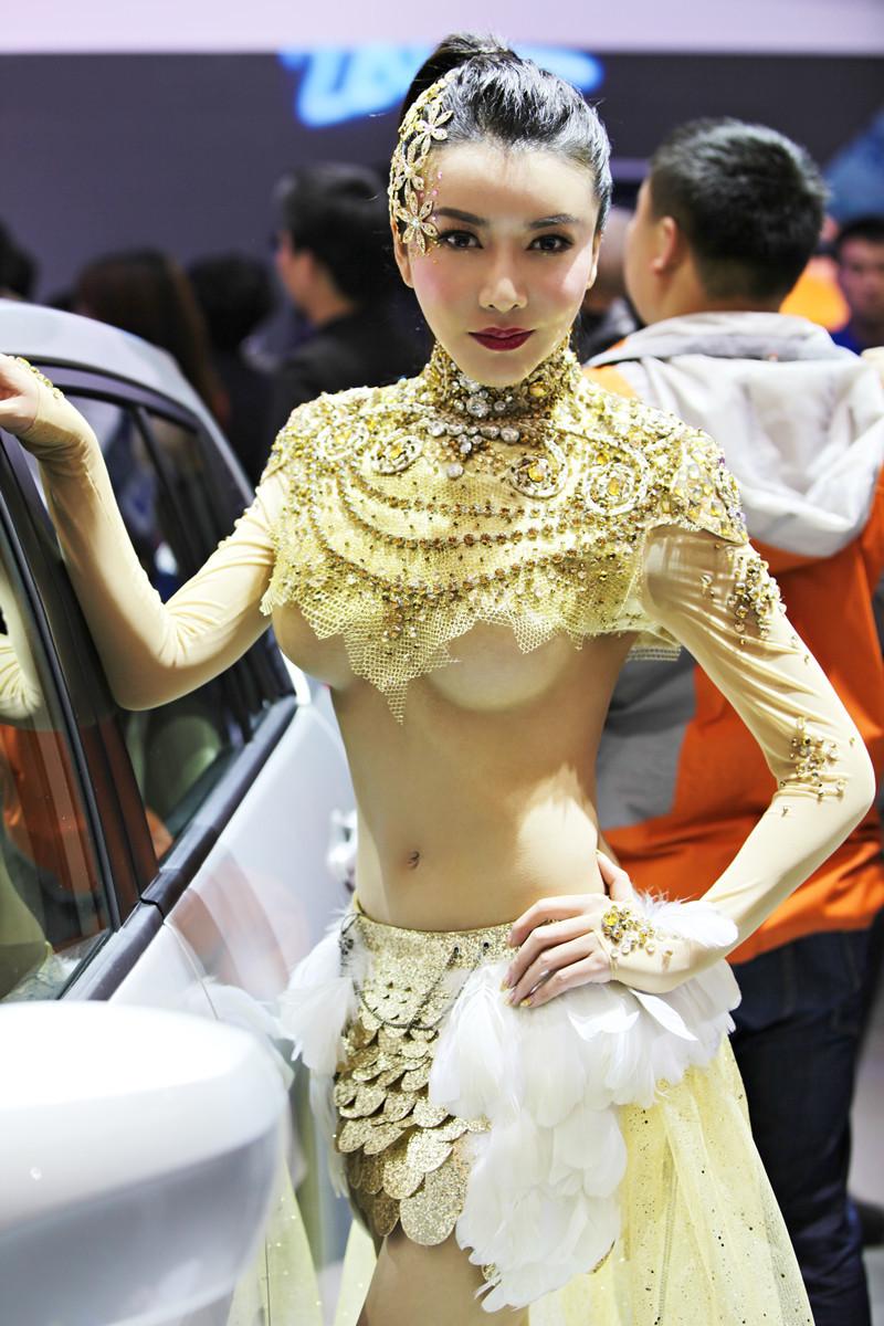 http://www.sinaimg.cn/dy/slidenews/4_img/2013_18/704_954650_902136.jpg