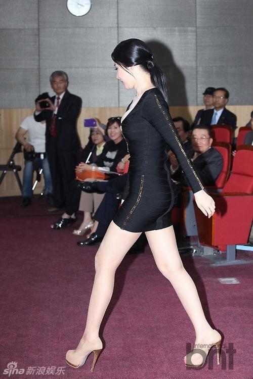 http://www.sinaimg.cn/dy/slidenews/4_img/2013_19/704_964560_604581.jpg