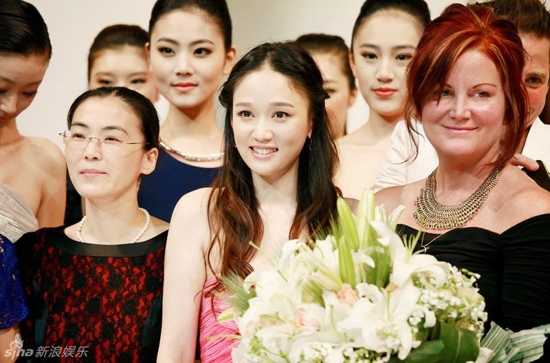 http://www.sinaimg.cn/dy/slidenews/4_img/2013_21/704_975182_594459.jpg