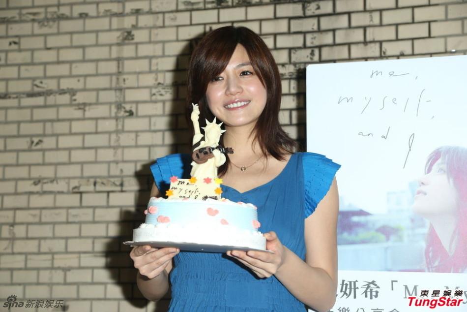 http://www.sinaimg.cn/dy/slidenews/4_img/2013_21/704_977152_835808.jpg