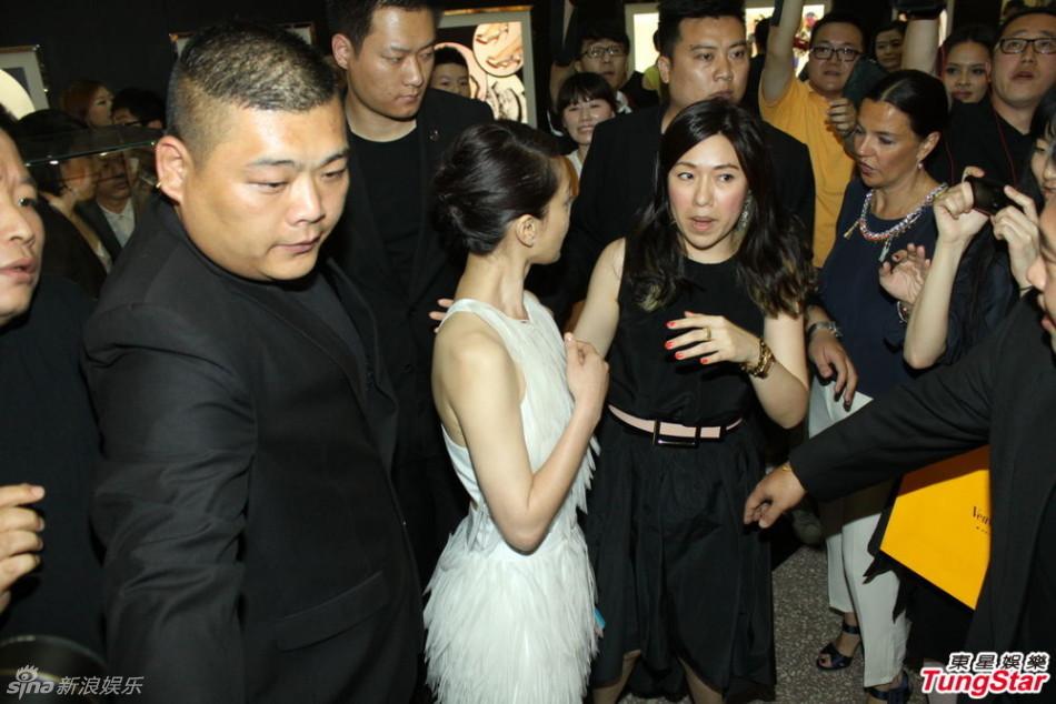 http://www.sinaimg.cn/dy/slidenews/4_img/2013_22/704_983577_318476.jpg