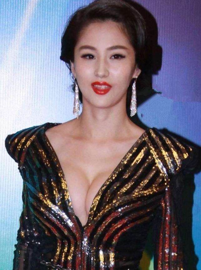 http://www.sinaimg.cn/dy/slidenews/4_img/2013_22/704_986045_105435.jpg