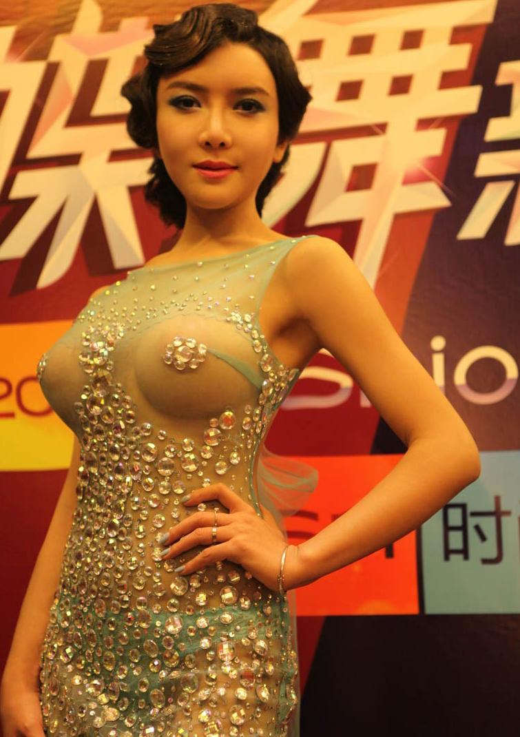 http://www.sinaimg.cn/dy/slidenews/4_img/2013_22/704_986050_398294.jpg