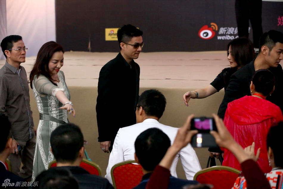 http://www.sinaimg.cn/dy/slidenews/4_img/2013_23/704_993979_123366.jpg