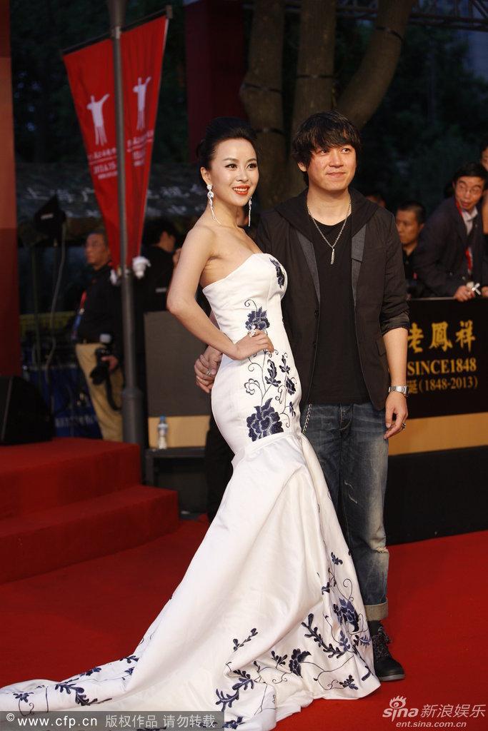 http://www.sinaimg.cn/dy/slidenews/4_img/2013_24/704_999194_631759.jpg