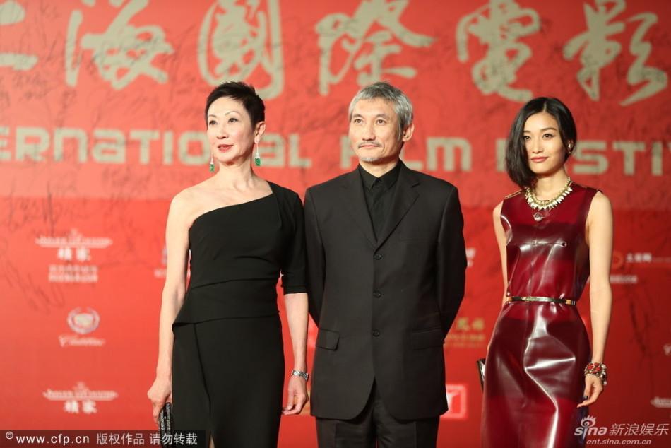 http://www.sinaimg.cn/dy/slidenews/4_img/2013_24/704_999217_230019.jpg