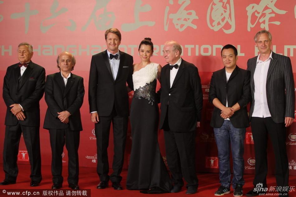 http://www.sinaimg.cn/dy/slidenews/4_img/2013_24/704_999495_869407.jpg