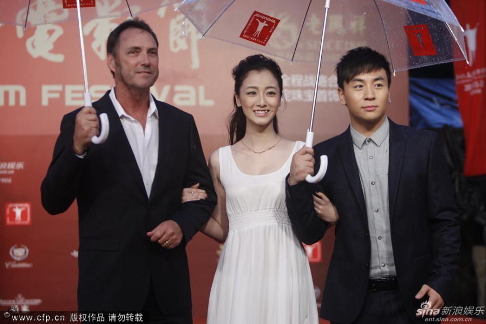 http://www.sinaimg.cn/dy/slidenews/4_img/2013_25/704_1007454_156762.jpg