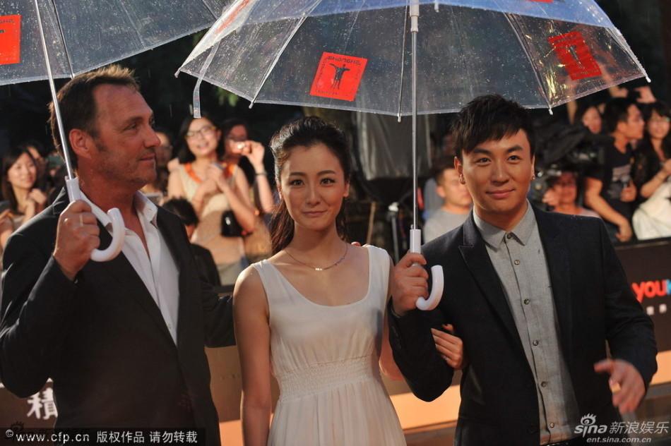 http://www.sinaimg.cn/dy/slidenews/4_img/2013_25/704_1007456_572236.jpg