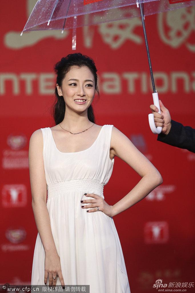 http://www.sinaimg.cn/dy/slidenews/4_img/2013_25/704_1007463_689172.jpg