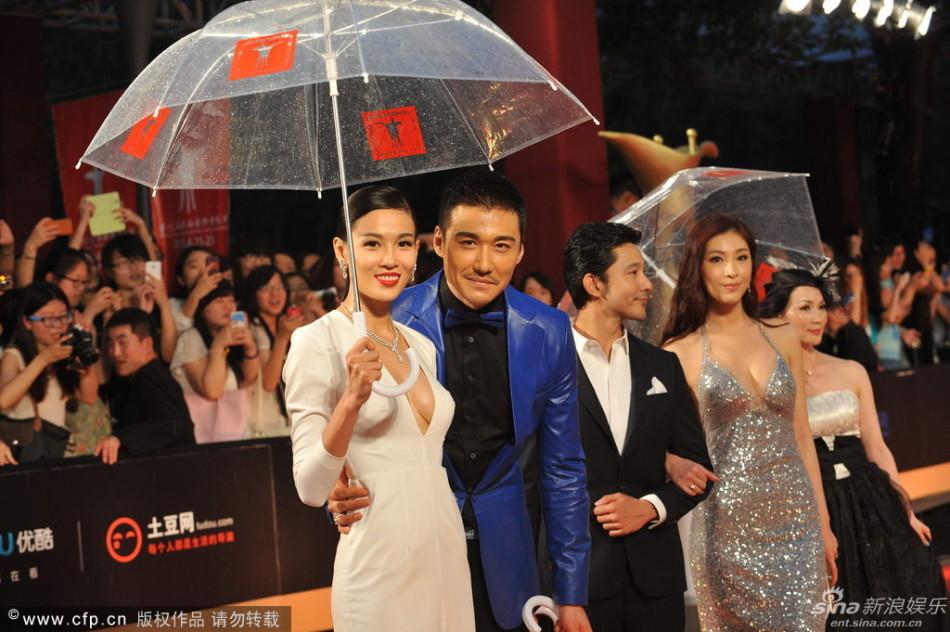 http://www.sinaimg.cn/dy/slidenews/4_img/2013_25/704_1007504_281324.jpg