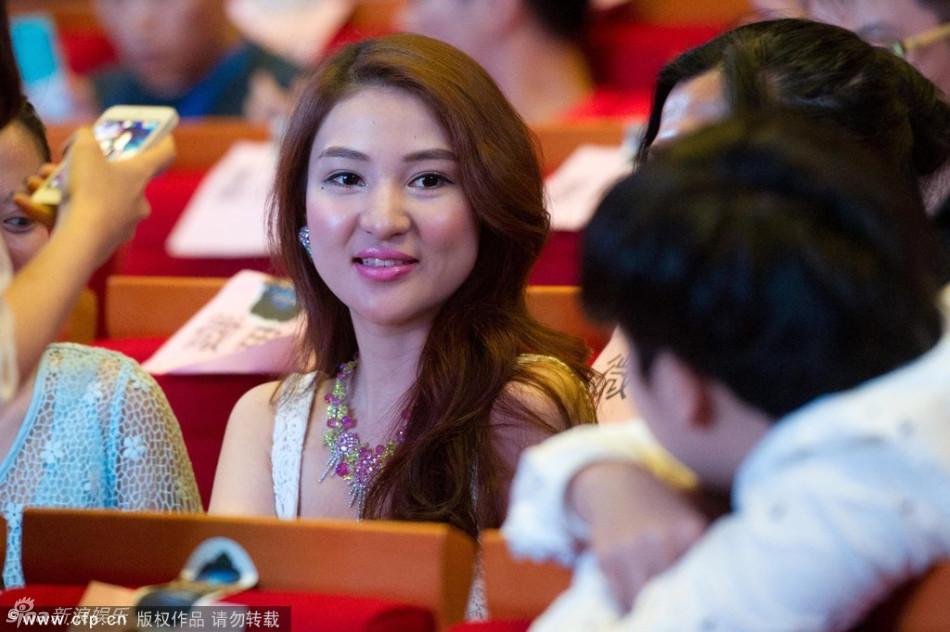 http://www.sinaimg.cn/dy/slidenews/4_img/2013_27/704_1019700_797448.jpg