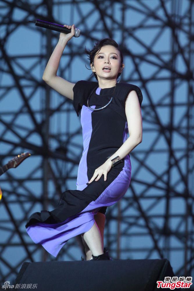 http://www.sinaimg.cn/dy/slidenews/4_img/2013_28/704_1027903_524382.jpg