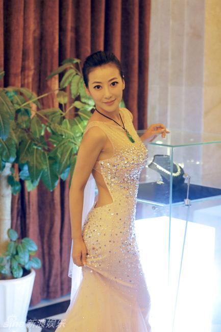 http://www.sinaimg.cn/dy/slidenews/4_img/2013_29/704_1031418_893870.jpg