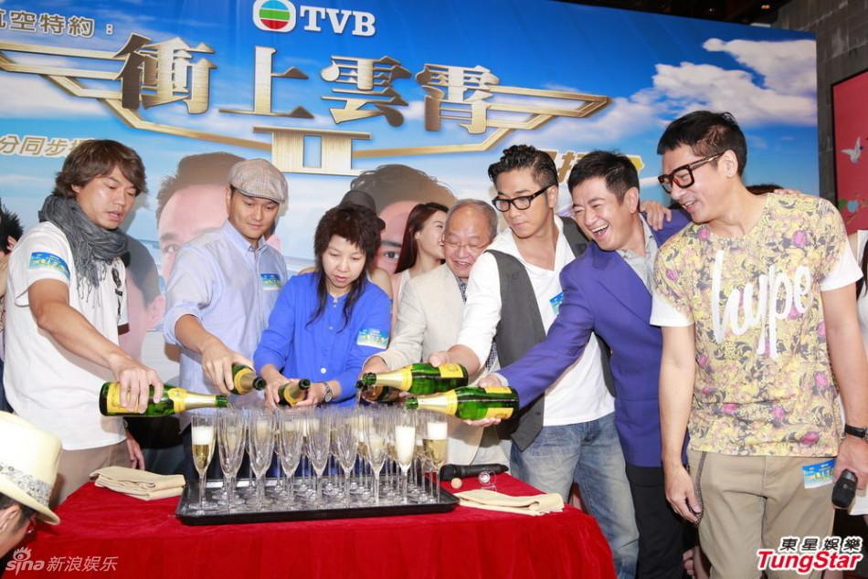 http://www.sinaimg.cn/dy/slidenews/4_img/2013_30/704_1037792_204052.jpg