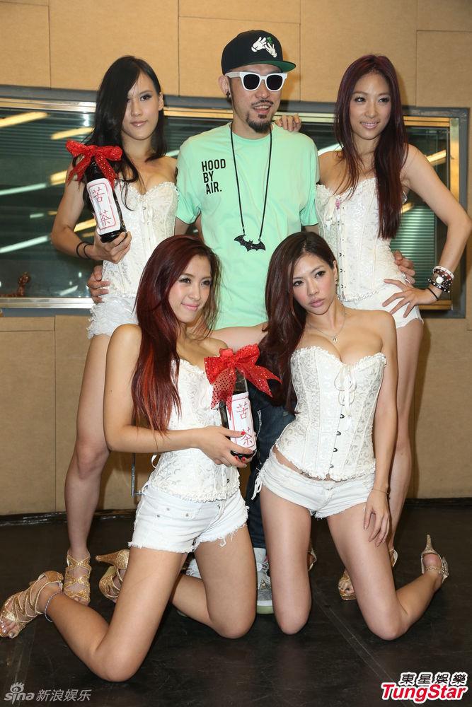 http://www.sinaimg.cn/dy/slidenews/4_img/2013_31/704_1046339_879346.jpg