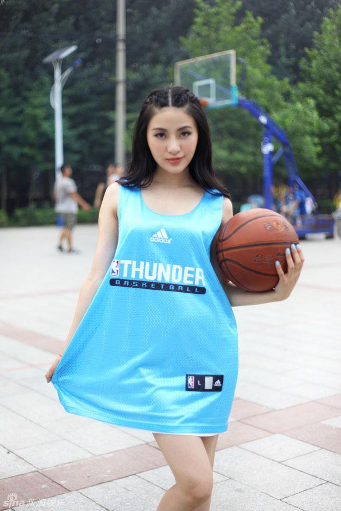 http://www.sinaimg.cn/dy/slidenews/4_img/2013_32/704_1053674_326878.jpg