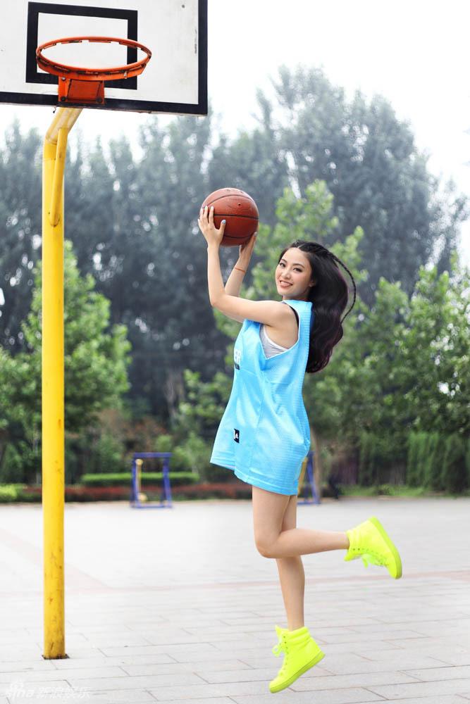 http://www.sinaimg.cn/dy/slidenews/4_img/2013_32/704_1053675_665269.jpg
