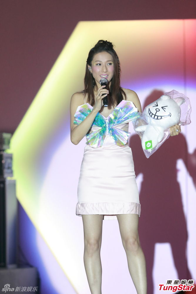http://www.sinaimg.cn/dy/slidenews/4_img/2013_34/704_1069081_306337.jpg