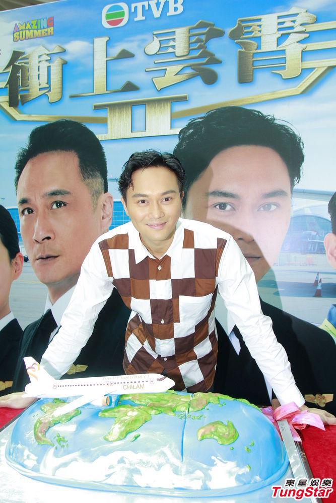 http://www.sinaimg.cn/dy/slidenews/4_img/2013_35/704_1071346_355527.jpg