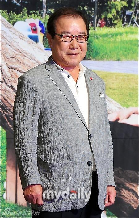 日下午,韩剧《王家一家人》在首尔某酒店举行发布会,李泰兰,李