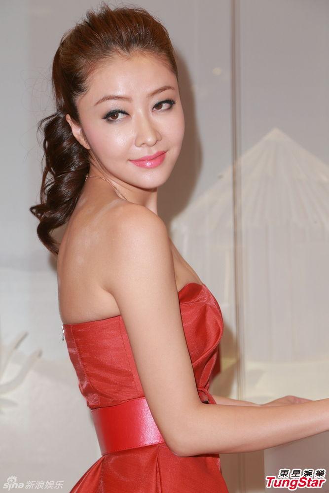 http://www.sinaimg.cn/dy/slidenews/4_img/2013_35/704_1075912_231480.jpg