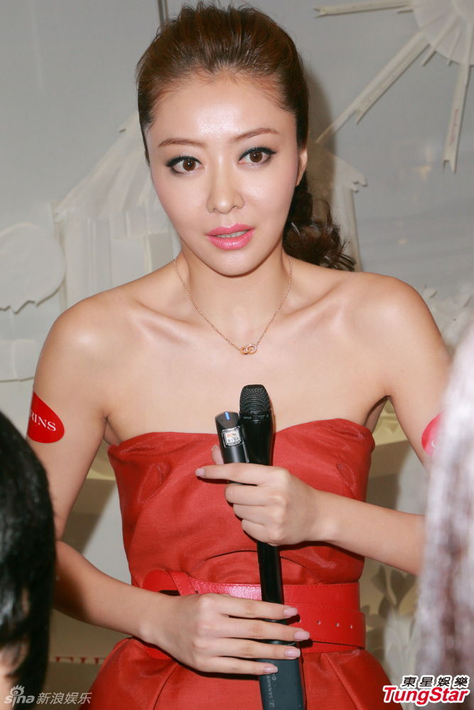 http://www.sinaimg.cn/dy/slidenews/4_img/2013_35/704_1075914_450354.jpg