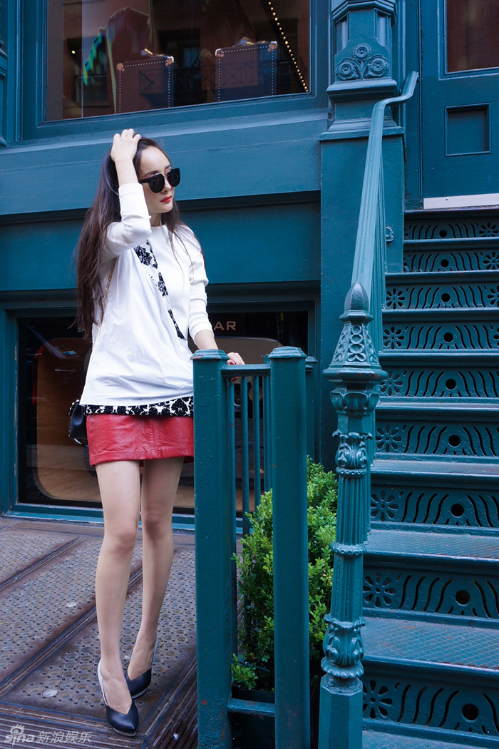 组图 杨幂纽约时装周优雅街拍
