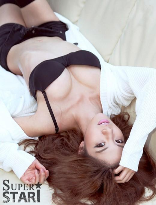韩女星乐彩恩爆乳大片性感惹火