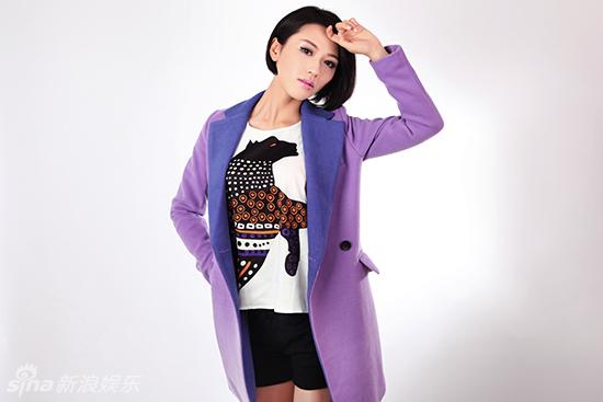 紫色风衣如何搭配