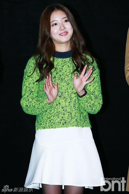 娱乐讯 电影《热血青春》舞台问候活动于25日下午在首尔永登浦