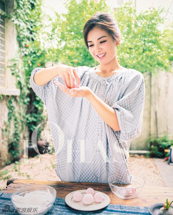 娱乐派—美图:刘涛清凉写真登封面 温柔恬静似天使