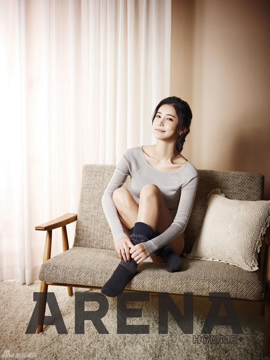 娱乐派—美图:韩星吴仁惠拍写真 低胸秀乳胸罩脱落