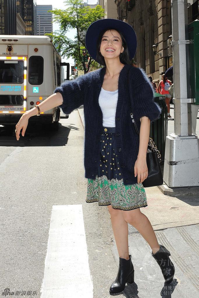组图 高圆圆纽约街拍曝光 甜美开启时尚之旅图片