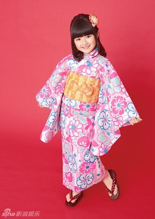 组图:日本10岁萝莉小林星兰和服造型优雅可爱