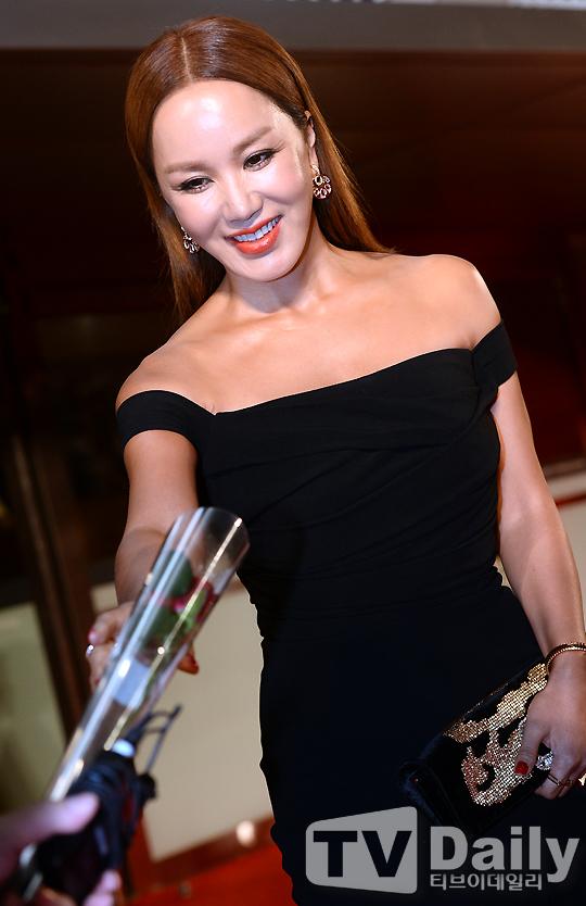 2日17时,第19届釜山电影节在韩国釜山开幕.新浪娱乐全程图文直图片