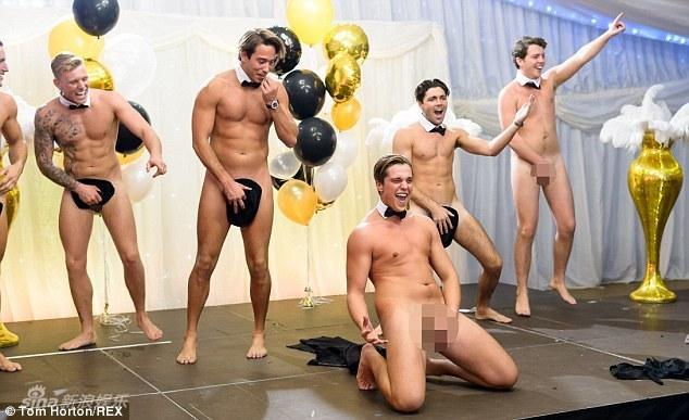 英国裸体综艺表演