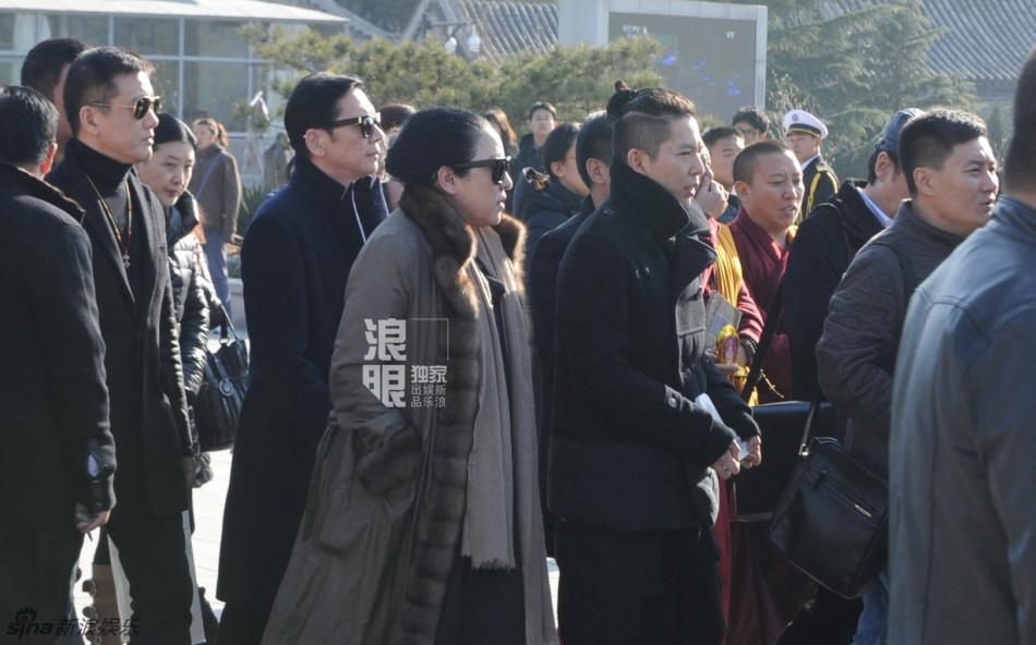 现场实拍(冯科、巢有为/图、视频)-组图 向华胜病逝今北京出殡 向图片