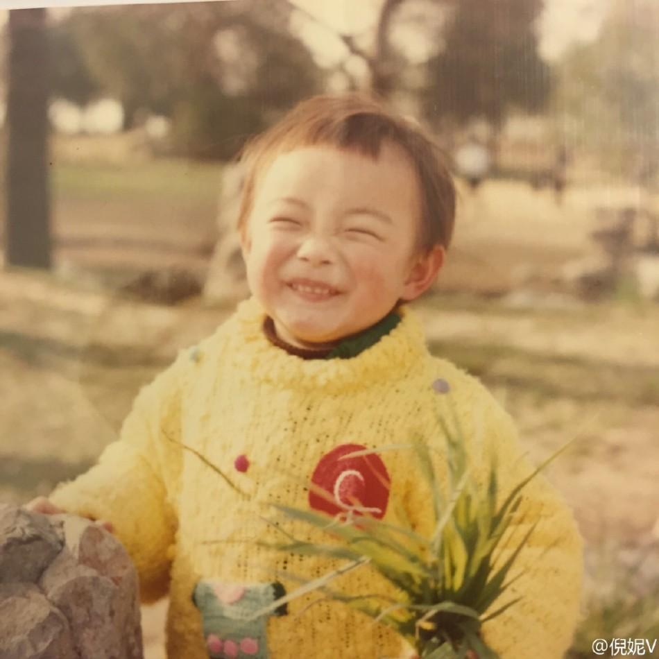 从幼儿时期到长大后各阶段的不同状态.-组图 倪妮成长各阶段旧照