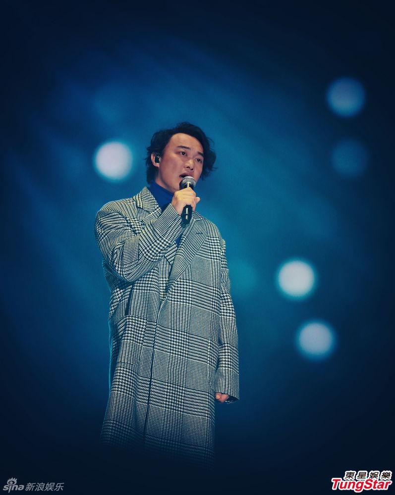 乐讯 3日晚,MAMA颁奖礼在香港落幕.在上台演出前,EXO主动找