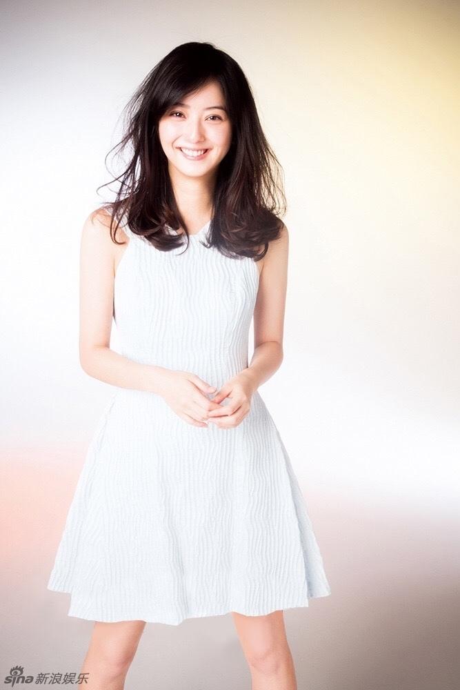 组图:日本最美女星佐佐木希白裙写真优雅迷人