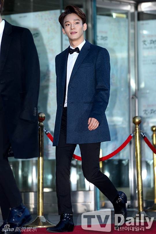 组图:韩男团exo九人走红毯 xiumin感冒缺席_高清图集图片