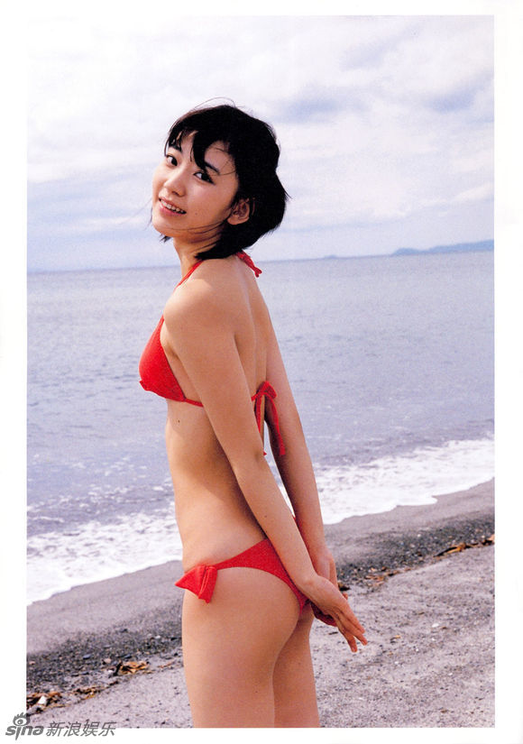 色情岚_17岁宫脇咲良拍性感写真 恐犯日本儿童色情法