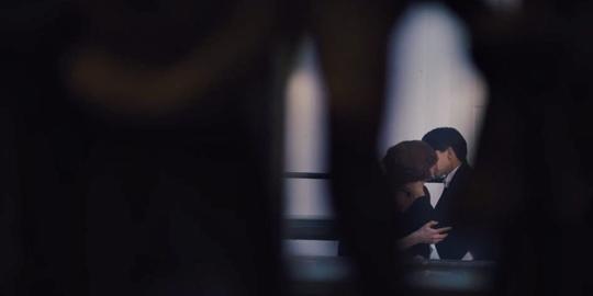 穿成男主的反派老婆-gener,在妻子支持下改名Lili,变性成女人.-组图 奥斯卡新影帝热吻