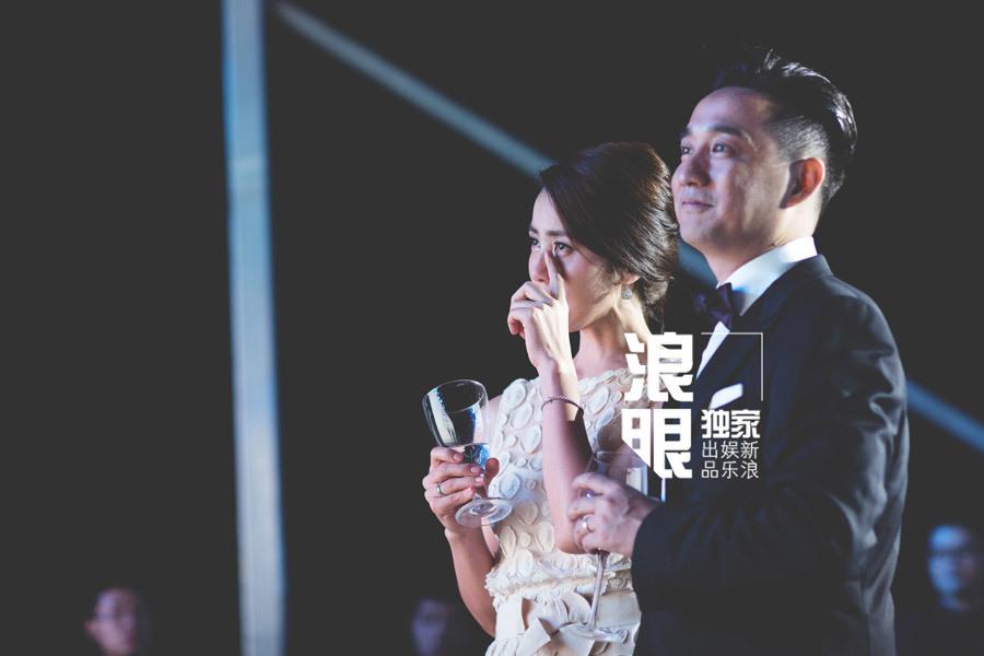黄磊孙莉结婚20年补办婚礼 一家..