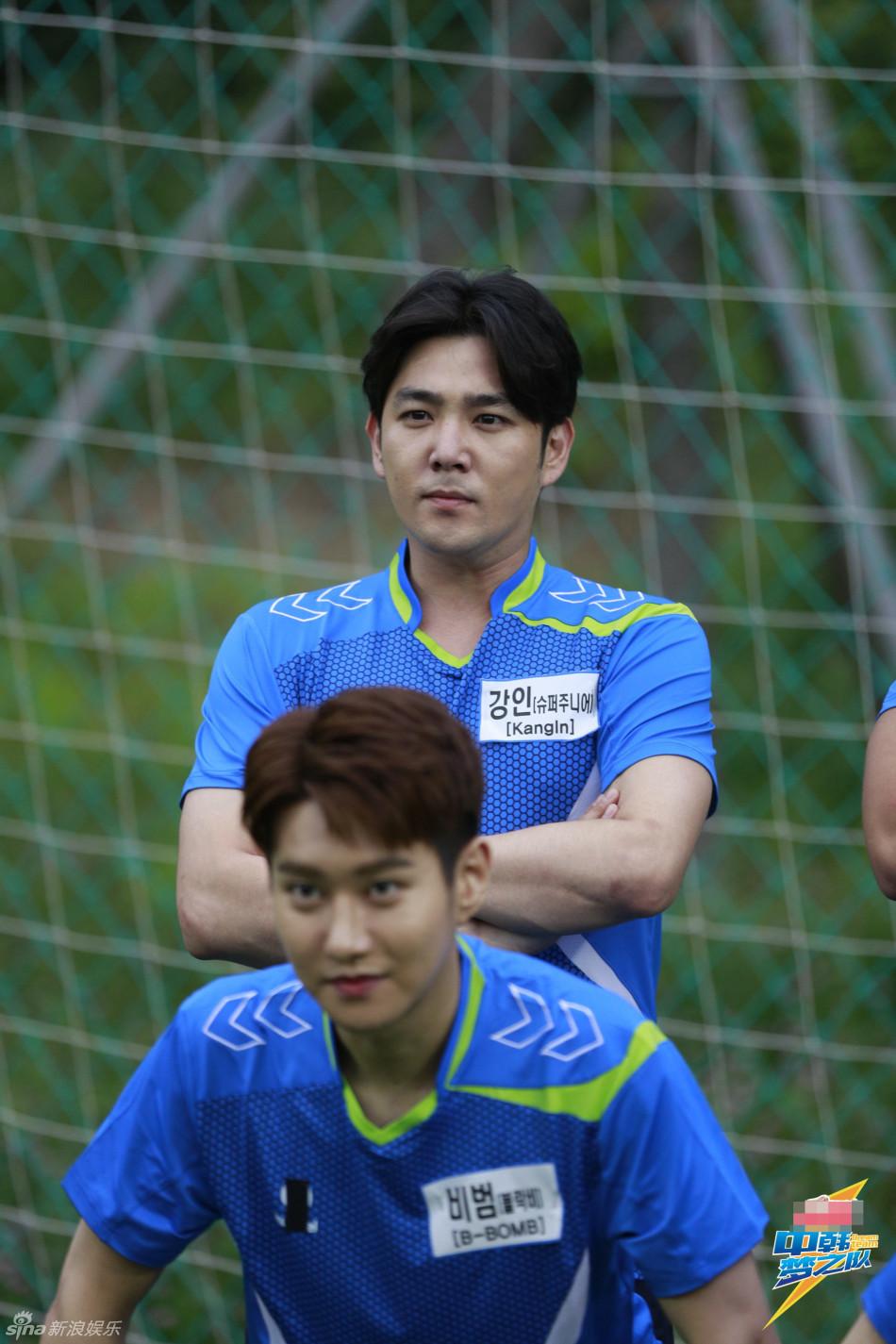 组图 梦之队 中韩明星足球对决 粉丝竟开撕