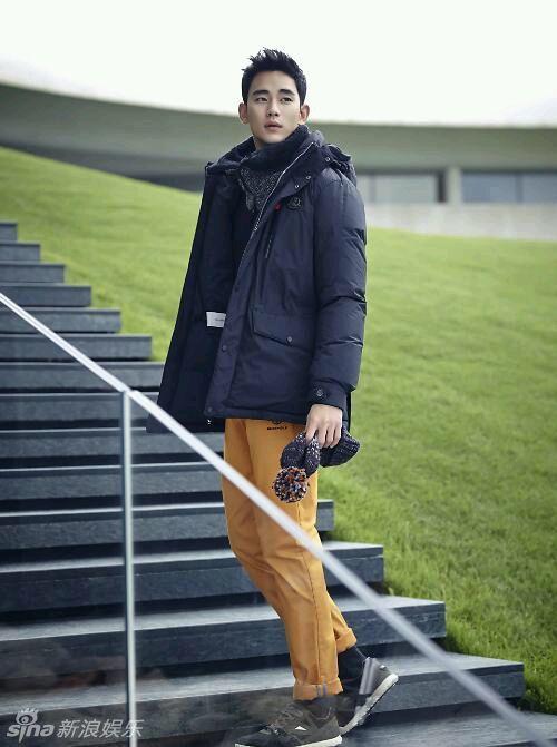 娱乐讯 3日,金秀贤为某品牌拍摄的冬季画报公开.画报中金秀贤或