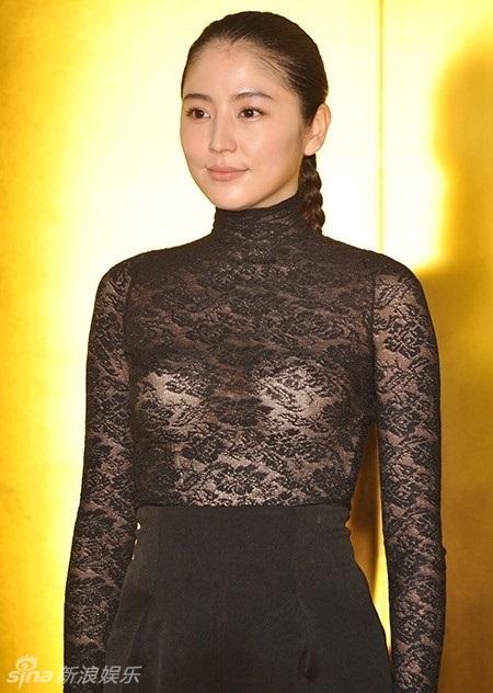 组图:长泽雅美蕾丝透视装性感 胸型清晰可见
